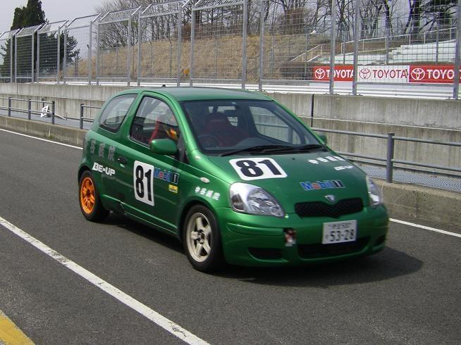 Vitz81号車