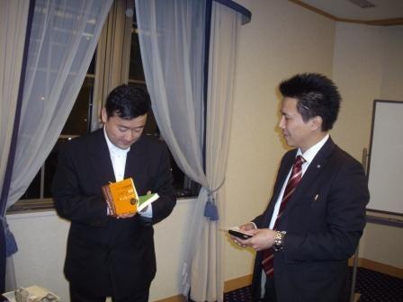 帽子のターンアラウンドマネージャー札幌を行く - 認定事業再生士のブログ-サイン中