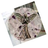 魂のささやき-月の石に封印されていた天使の彫刻