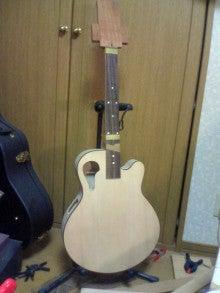 ギターが好き。。。。。。下手だし、中年オヤジだけど。。。。。。-SN370128