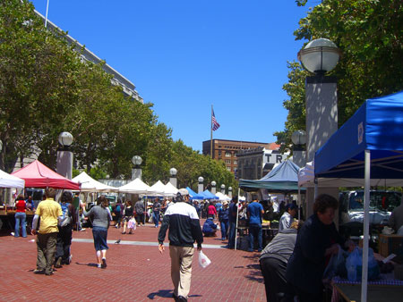 Campbell, CA ~ベイエリアでの暮らし~-Heart of the City Farmers Market