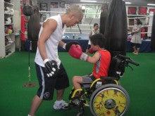 拳闘日記(ペルテス病・闘病日記)/AKIRAの拳に夢を乗せて-ミット左フック