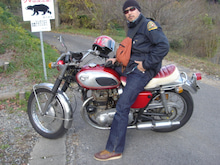 with the vintage moto(kawasakiW1S/H-D knuckle,JD/BSA flattank and more!)