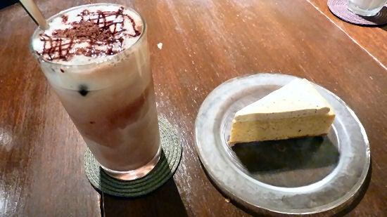 たまたま京都に住んでます。- Papa Jon's・アイスココアとチーズケーキ