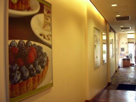 Campbell, CA ~ベイエリアでの暮らし~-壁にはお料理の写真が・・・