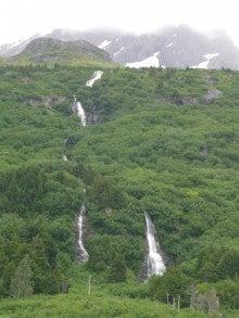 気まぐれな世界-滝