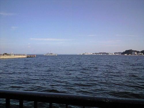 外道大王の釣行記-水深は5mほど、手前は石垣で根魚が釣れそうです