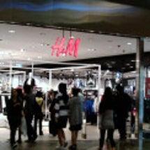 ユニクロ、H&M、し…