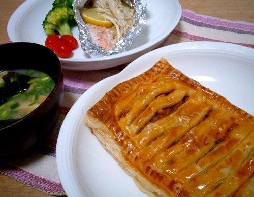 グルメ夫が認めたバリウマ料理レシピ-トマトカレーパイ