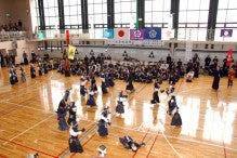 小田原剣道連盟blog-小学生による風船割合戦
