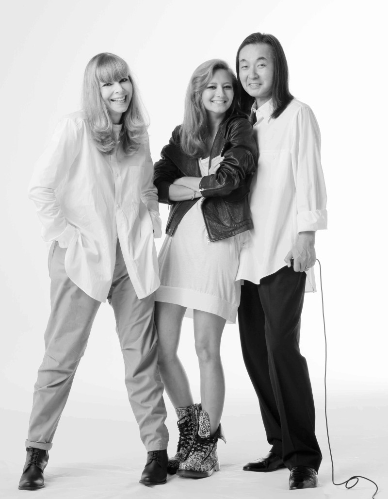 QUEEN'S OF STYLE AGELESS WOMEN-Family Photo