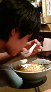 旅ブログ-ラーメンを食らうA