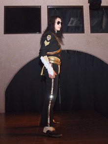 "MJ Tribute X'mas Party for Fans :  ""Merry X'mas to Michael! We'll Heal the World !"" -マイコーりょうさん"