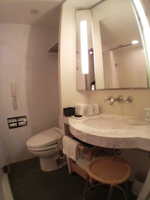 extraordinary days-Marunouchi lavatory