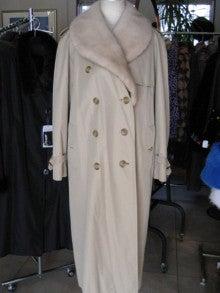 大木毛皮店工場長の毛皮修理リフォーム-バーバリーのコートミンク襟製作