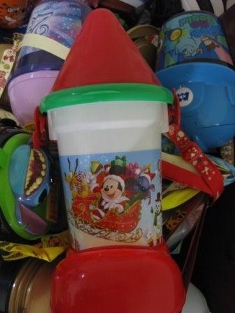 バケット 歴代 ポップコーン ディズニー ディズニーのポップコーンバケットの活用方法!収納や貯金箱、インテリアの使い道がベスト