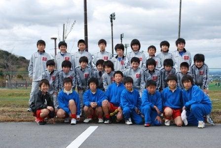 内灘町サッカースポーツ少年団       気がつけばサポーター?-20100227浜松遠征01
