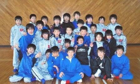 内灘町サッカースポーツ少年団       気がつけばサポーター?-20100227浜松遠征04