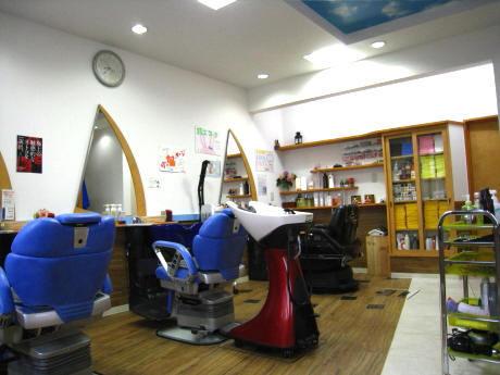 怪しい理容師 ナポレオン・ポッチー 清水区袖師の理容店   ナポレオン-N