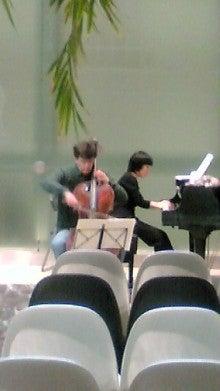 ヴァイオリンとMINEの芸術的な?!暮らし-20100426170837.jpg