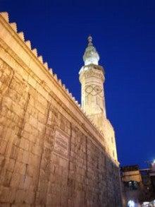 水の上を走る-モスク夜景