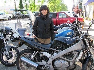 カナダ ノース・バンクーバーのバイクショップ、ウィンドベル モーターサイクル