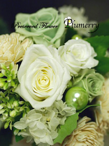 Plumerry(プルメリー)プリザーブドフラワースクール (千葉・浦安校)-クラッチブーケ 手作りウエディング プリ