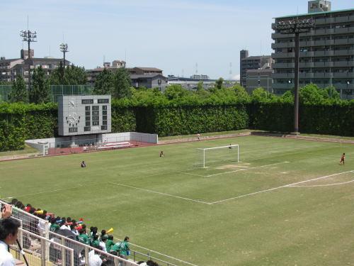 鶴見 緑地 球技 場