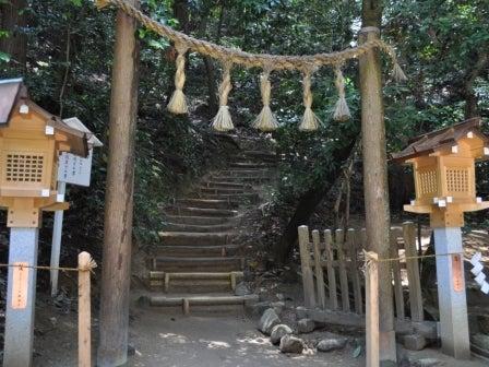 茶々吉とデジ一 のんびり旅-2010/5/21狭井神社三輪山への道