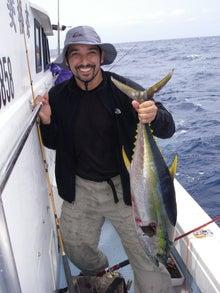 沖縄から遊漁船「アユナ丸」-釣果(22.04.17)