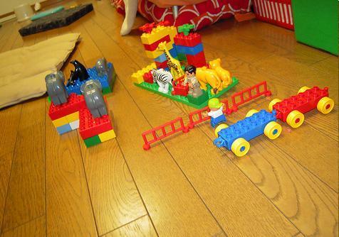 Grumpy Monkey(不機嫌なおさるさん)の観察日記-LEGO May2