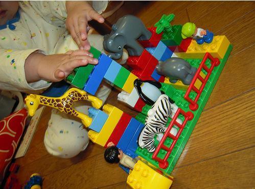 Grumpy Monkey(不機嫌なおさるさん)の観察日記-LEGO May