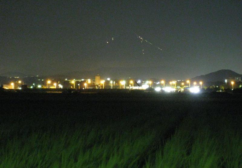 夜の夏富士山