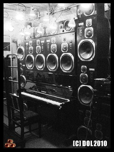 囚人銅鑼輝303逃亡黒白書◆since20100707-piano3