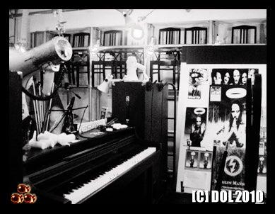 囚人銅鑼輝303逃亡黒白書◆since20100707-piano4