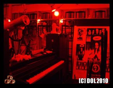 囚人銅鑼輝303逃亡黒白書◆since20100707-piano5