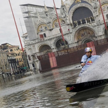 イタリアは水の都ベネ…