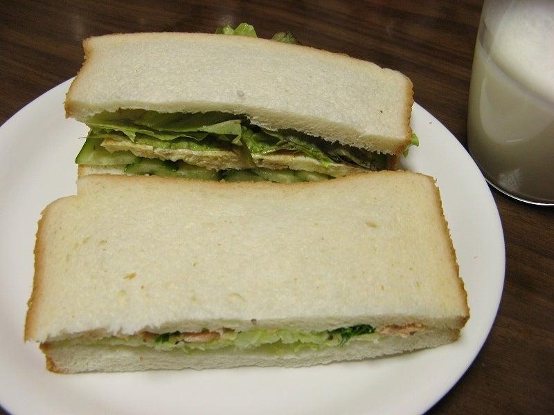 宅ひとりごはん-10/25 朝 サンドイッチ