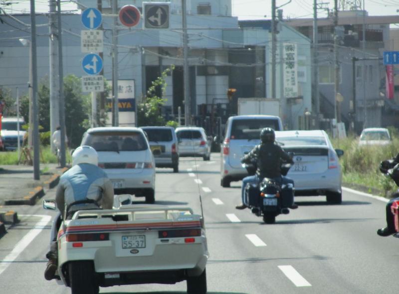 サイドカー付き二輪車