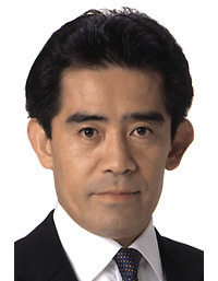 自民党の逢沢一郎国体委員長、天皇皇后両陛下ご臨席の式典で携帯電話の ...