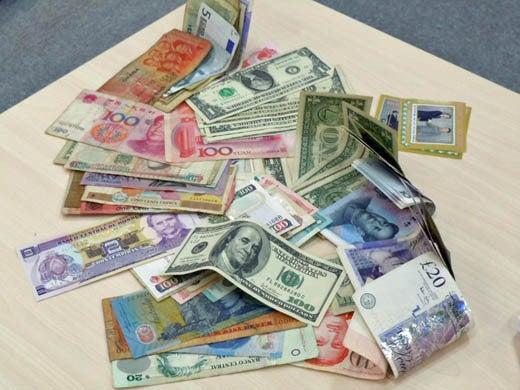 世界一蹴の旅-世界の紙幣