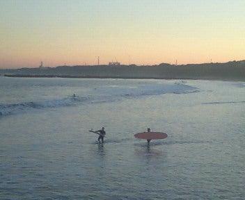 東京発~手ぶらで誰でも1からサーフィン!キィオラ サーフスクール&アドベンチャー ブログ-201012271615001.jpg
