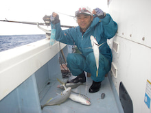 沖縄から遊漁船「アユナ丸」-釣果(H22.12.29)