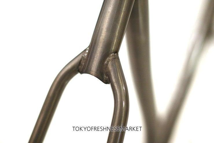 + TOKYO FRESHNESS MARKET +-Leader T. Johnson Signature Frame9