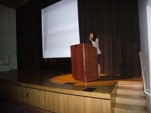 母の道、娘の選択-podium