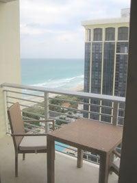 $旅する姫のブログ-グランドビーチホテル前のマイアミビーチ