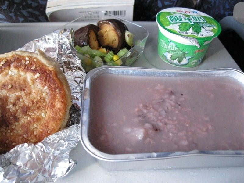 中国東方航空:国内線 機内食 | ぽぽめし