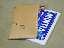 OXIO-CRAFT(オキクラ)の「革雑貨」製作日記-肉球MINTIAケース表面