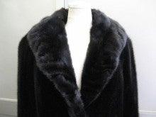 大木毛皮店工場長の毛皮修理リフォーム-毛皮コート 肩幅