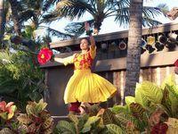 ハワイの超激安旅行手配・ロサンゼルスの超激安旅行手配・アメリカの売れ筋商品情報-ジャメインズルアウの踊り